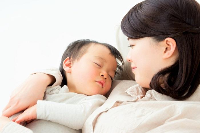 産後のニキビの原因